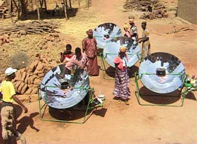 femmes à coté de fours solaires sahel afrique